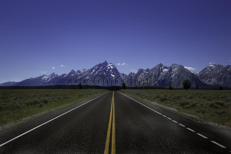 Camino a Tetons magnífico foto de archivo