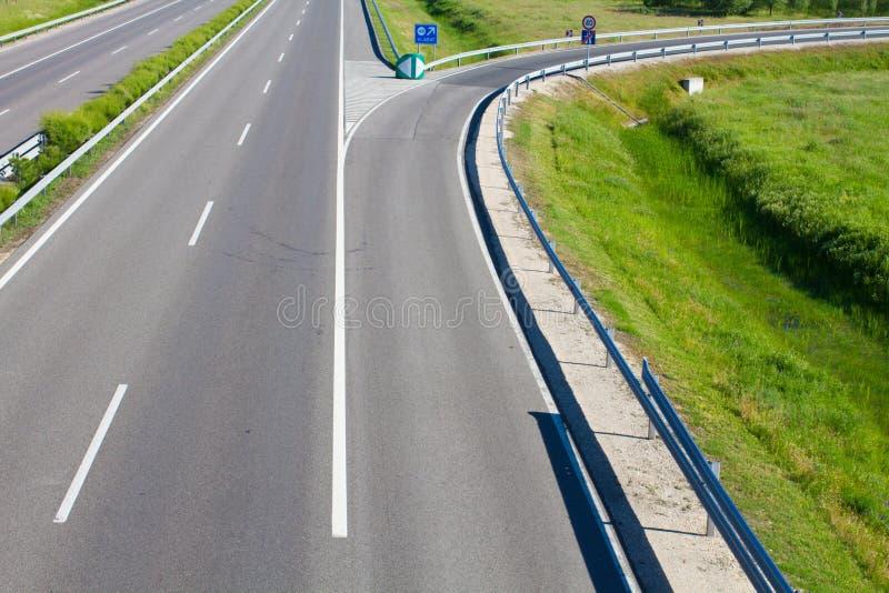 Camino vacío de la autopista sin peaje foto de archivo libre de regalías