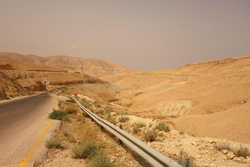 Camino vacío en Jordania foto de archivo libre de regalías