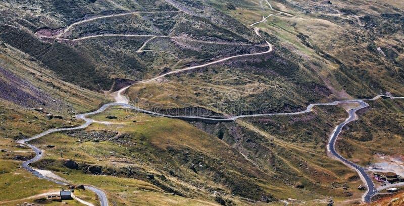Caminos de las montañas fotografía de archivo libre de regalías