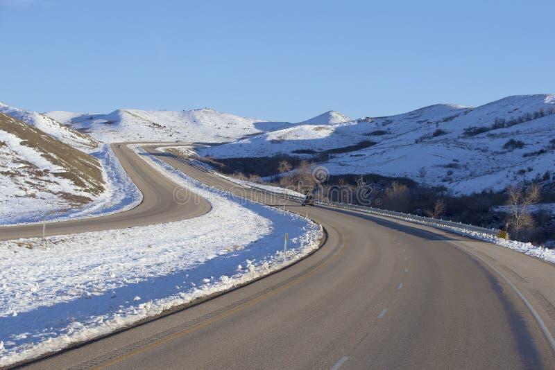 Caminos del invierno en Montana fotos de archivo