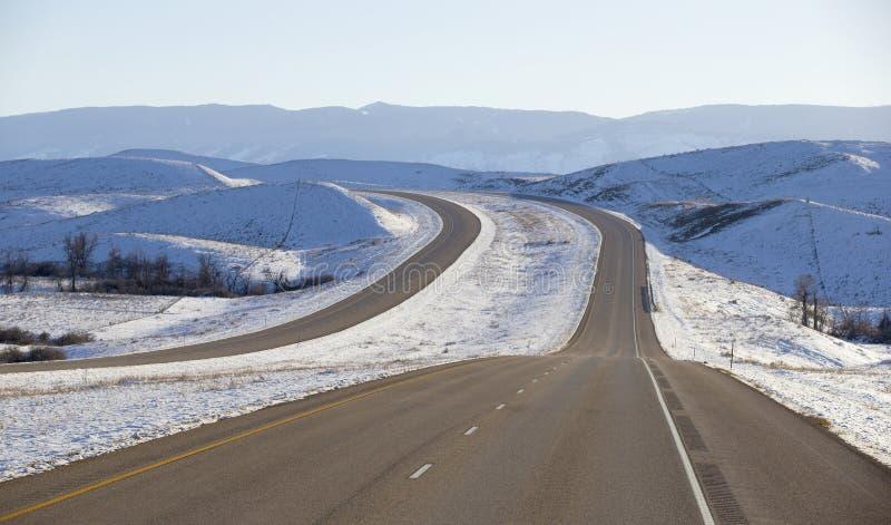 Caminos del invierno en Montana imagenes de archivo