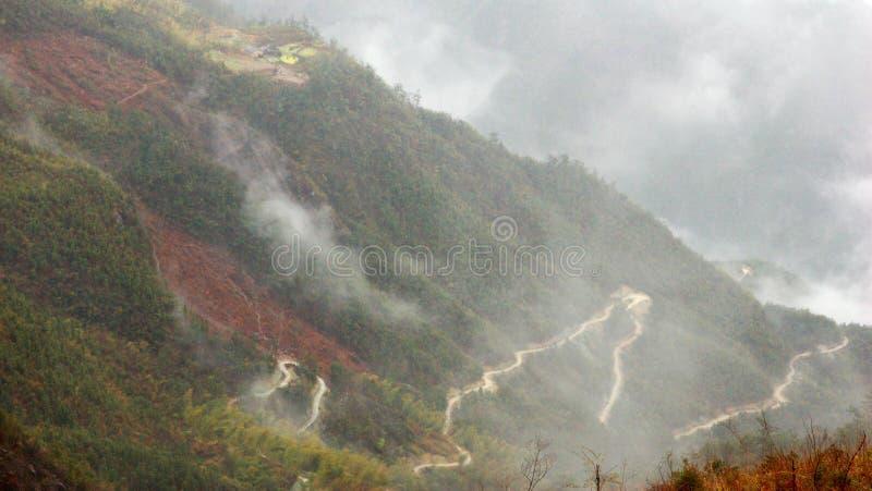 Caminos en nubes fotografía de archivo