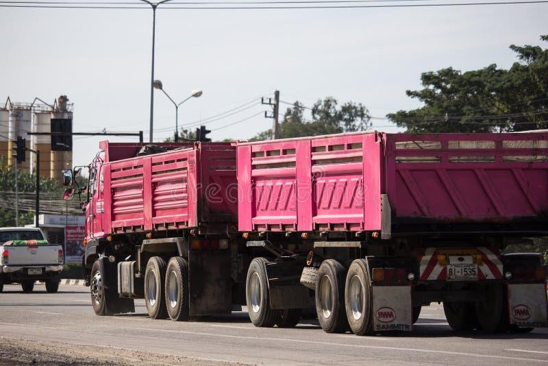 Camion à benne basculante de Thanachai Company image libre de droits