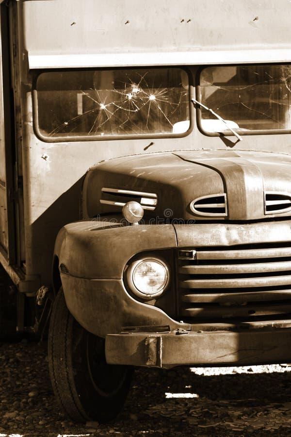 Camion abandonné par classique image libre de droits