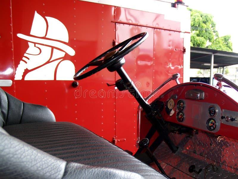 Camion antique de sapeurs-pompiers image stock