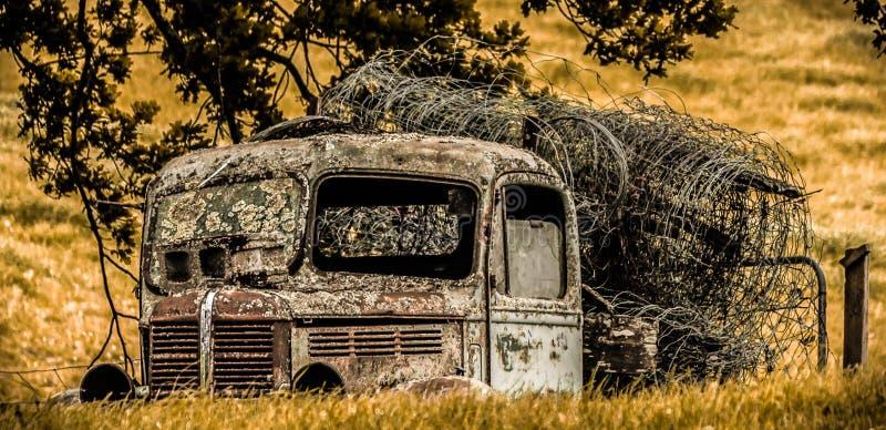 Camion détruit photographie stock