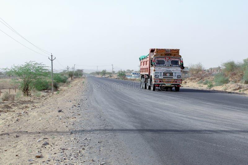 Camion d'Indien de Barmer Ràjasthàn de désert images libres de droits