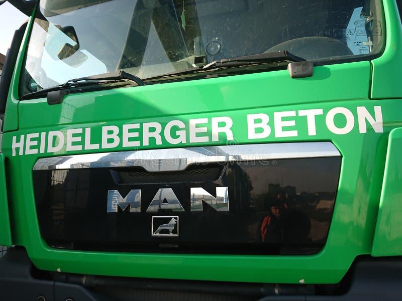 Camion de ciment de Heidelberger Beton photo libre de droits