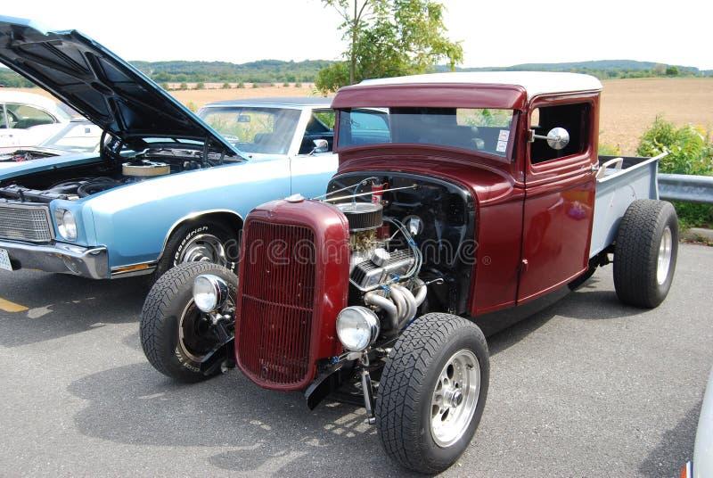 Camion de classique de Ford de 1936 rouges images libres de droits