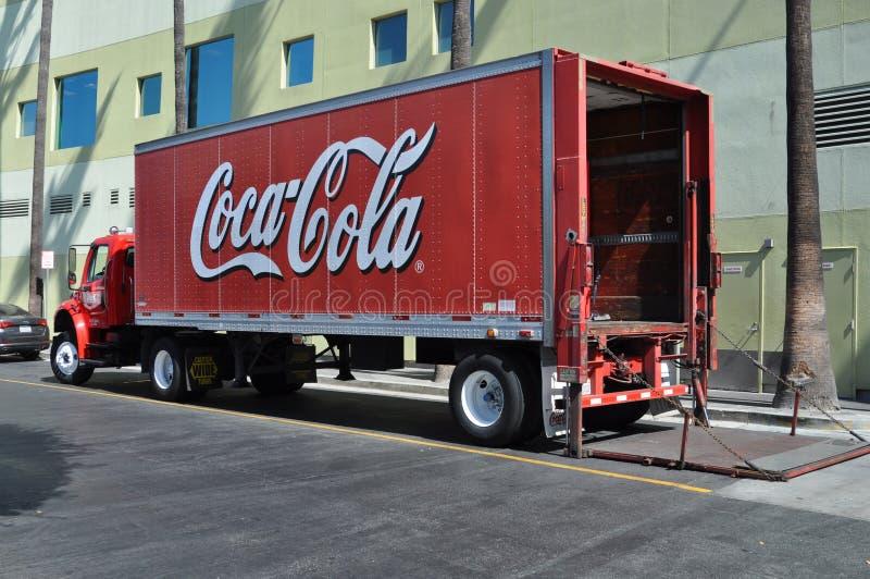 Camion de distribution de coca-cola photo stock
