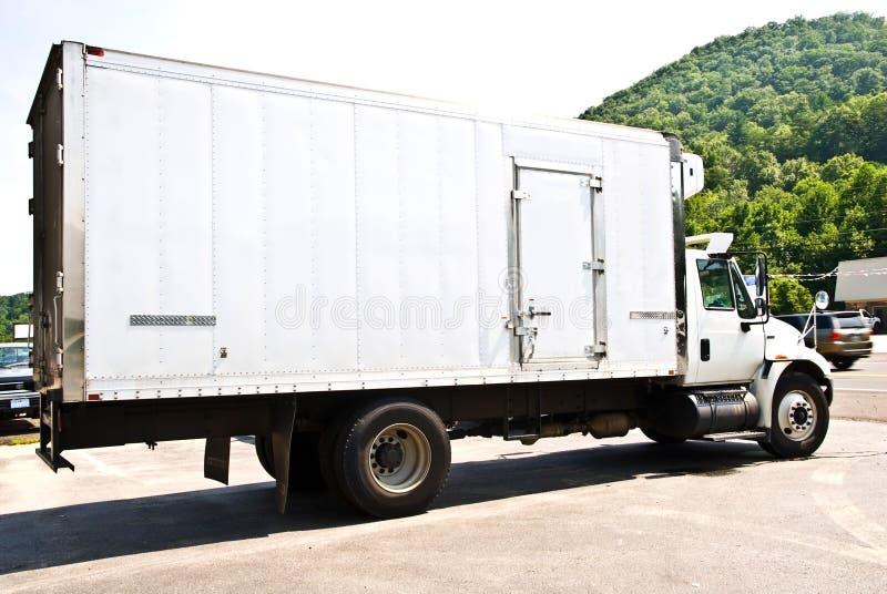 Camion de distribution frigorifié photo libre de droits