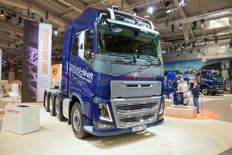 Camion de Je-décalage de Volvo FH16 photos stock