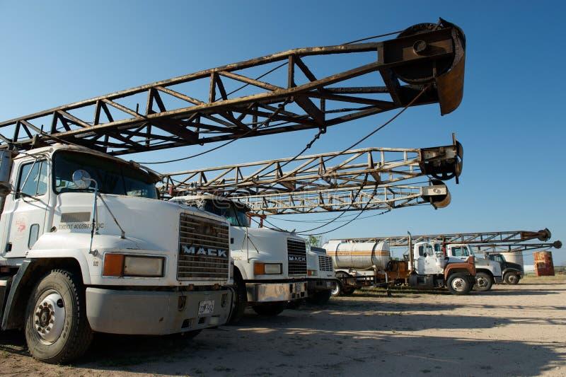 Camion de plate-forme de forage, nr San Angelo, TX, USA image stock