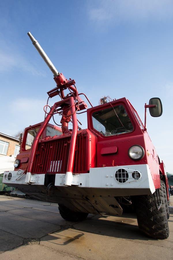 Download Camion De Pompiers D'aéroport Image stock - Image du sapeur, aéroport: 56480337