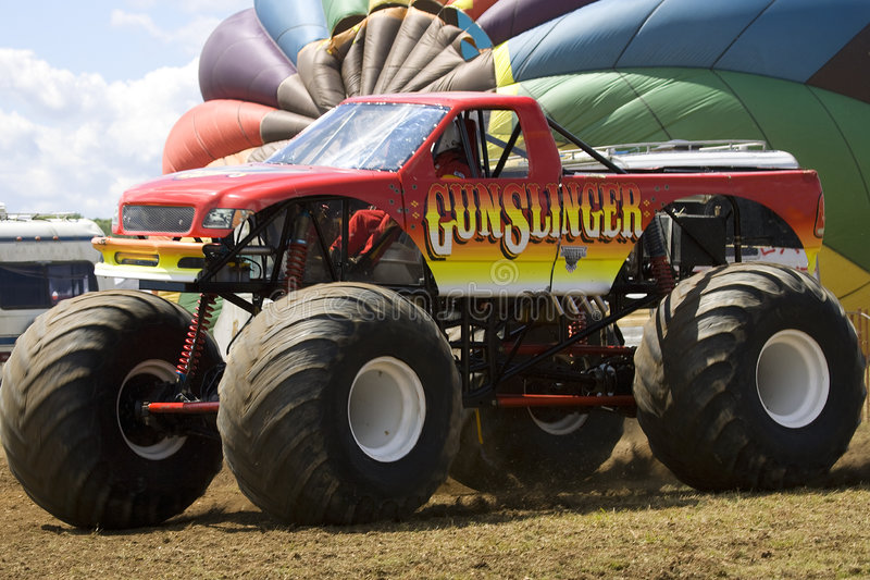 Camion del mostro al Car Show immagine stock libera da diritti