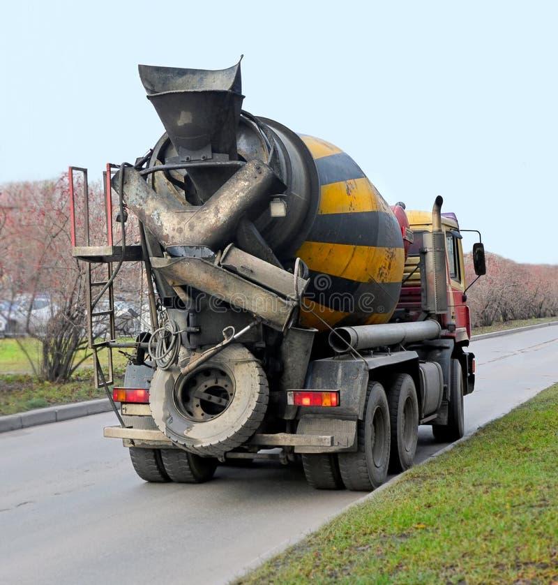 Camion della betoniera immagine stock