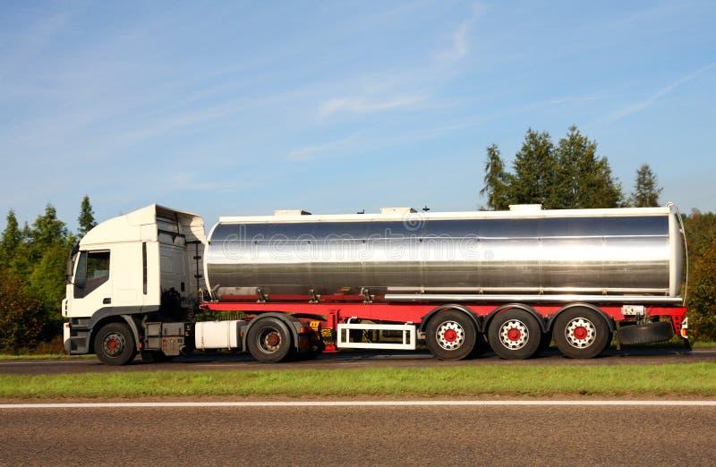 Camion di autocisterna del combustibile fotografie stock