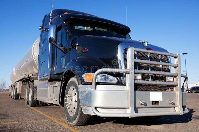 Camion di combustibile immagine stock
