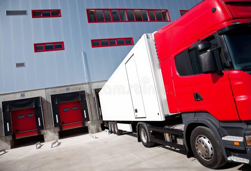 camion di logistica della costruzione fotografia stock
