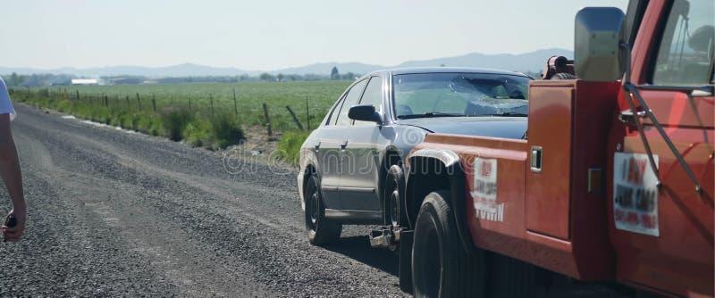 Camion di rimorchio, aiuto in una situazione difficile immagini stock libere da diritti