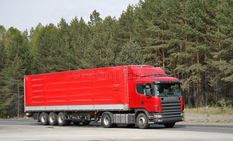 Camion di rimorchio rosso fotografia stock libera da diritti