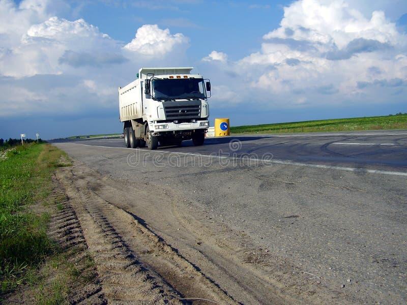 Camion ed automobili fotografia stock libera da diritti
