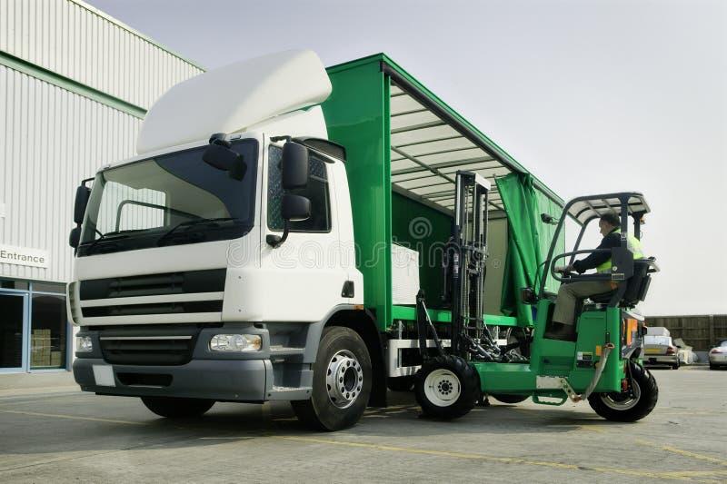 Camion et distribution photographie stock