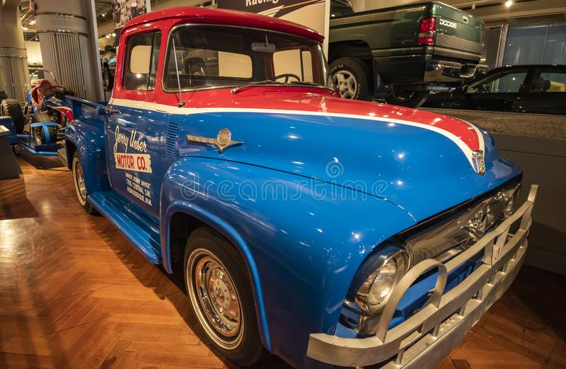 Camion Ford F-100 Pickup 1956 image stock