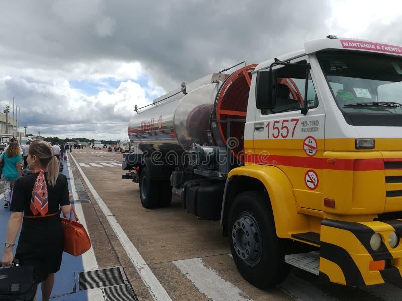 Camion plat de gaz images libres de droits