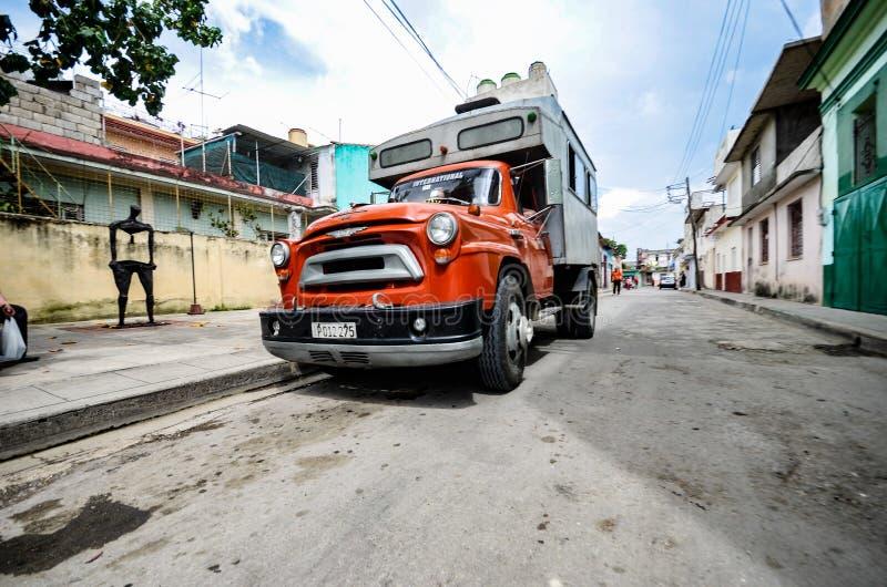 Camion rosso d'annata fotografia stock libera da diritti
