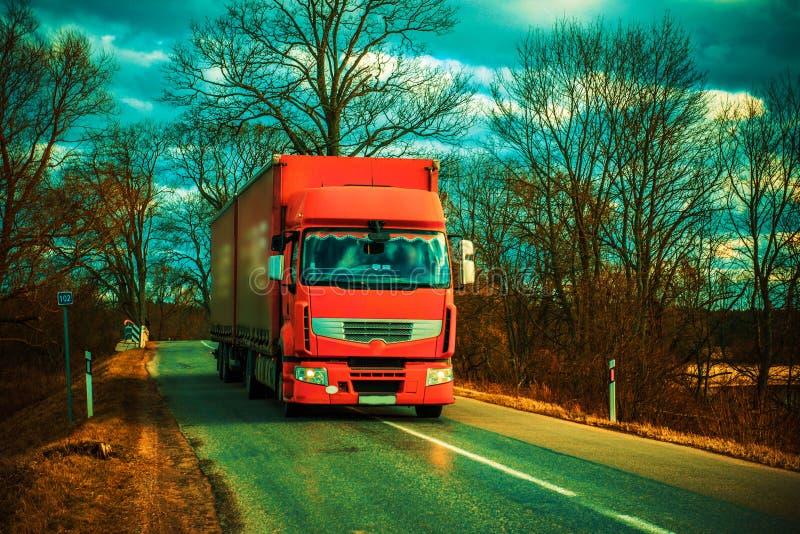 Camion rouge photos libres de droits