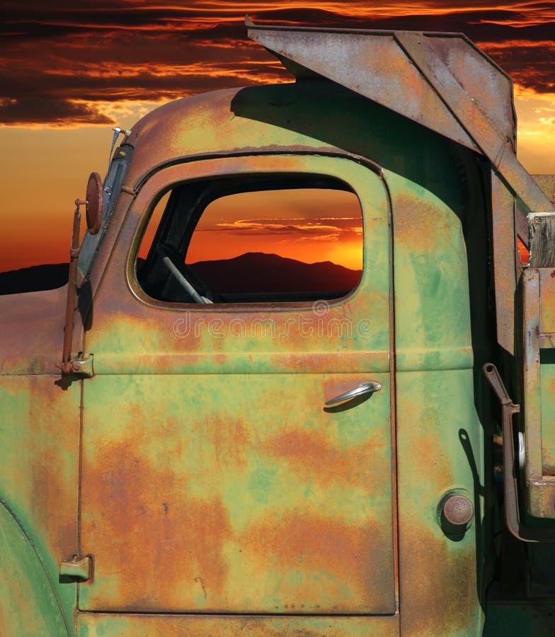 Camion rouillé images libres de droits