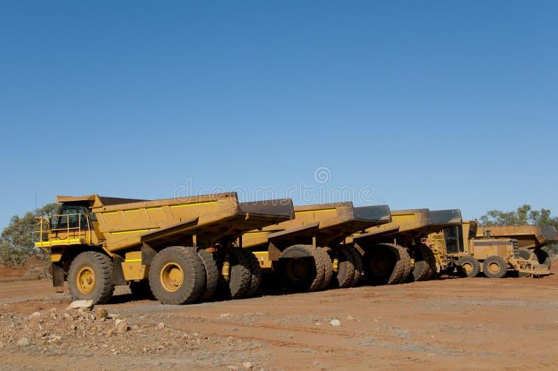 Camiones volquete de la explotación minera fotos de archivo