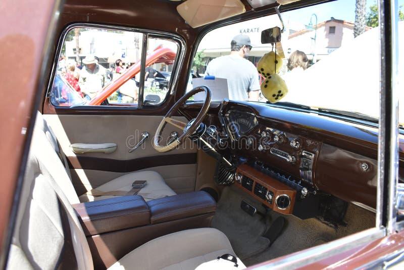 1957 camioneta de Chevrolet, 4 imagens de stock