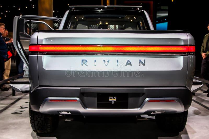 Camioneta pickup de Rivian R1T imágenes de archivo libres de regalías