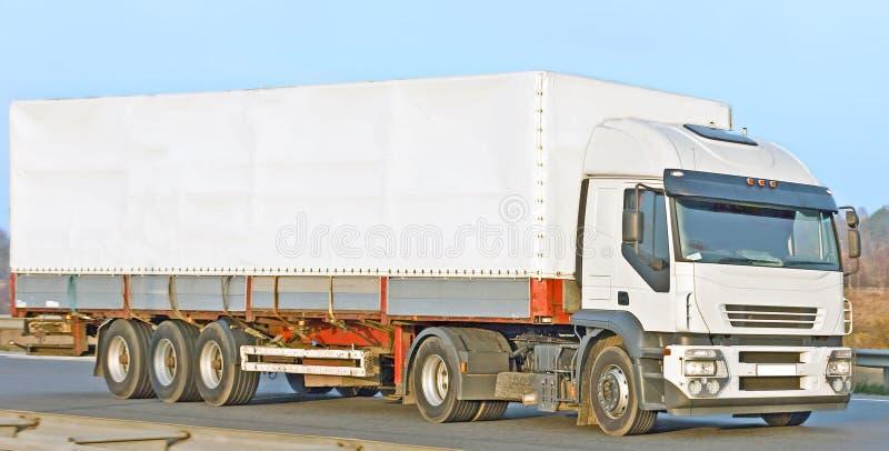 Camionete branca em branco imagem de stock