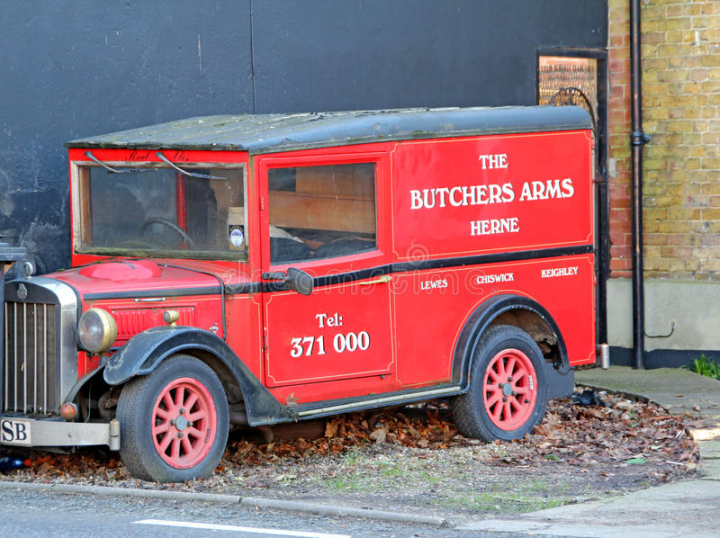 Camionete de entrega do seguin do vintage fotos de stock