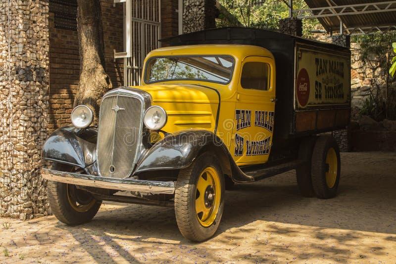 Camionete modelo velho de Chevrolet Estilo do carro do vintage foto de stock
