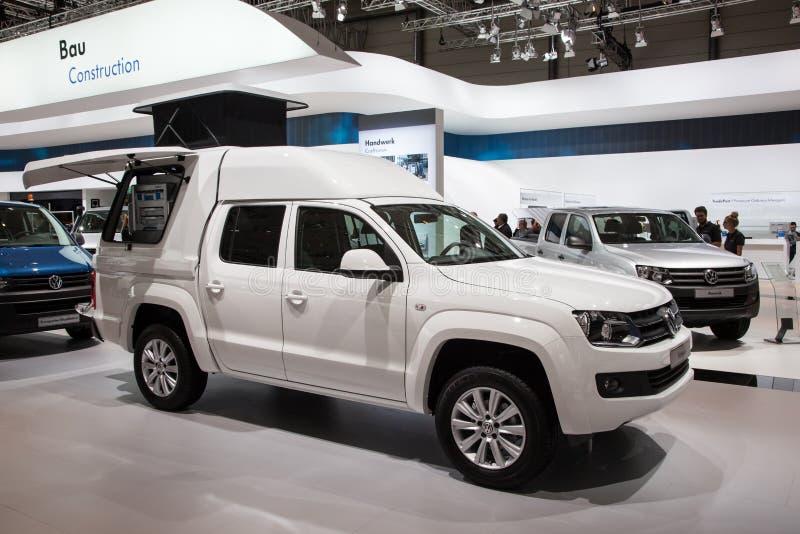 Camionete novo da VW Amarok imagem de stock royalty free