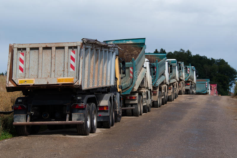 Camions à benne basculante photographie stock