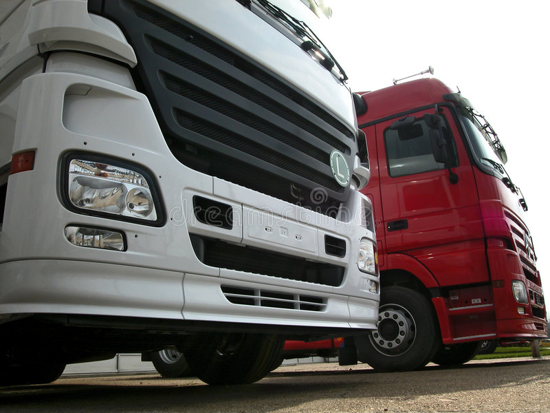 Download Camions photo stock. Image du rouge, euro, gestionnaires - 725942