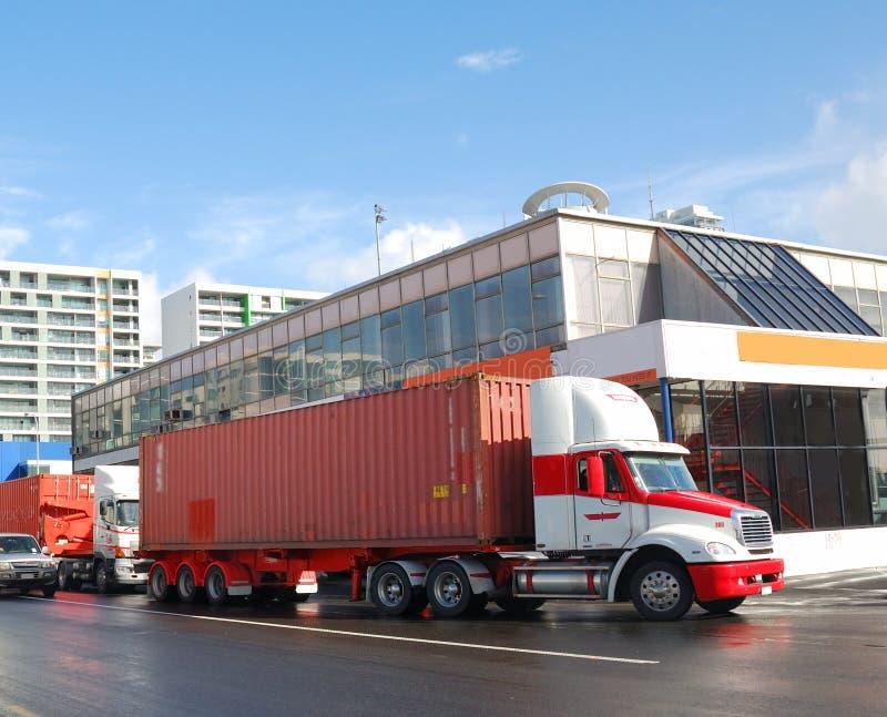 Camions de conteneur images stock