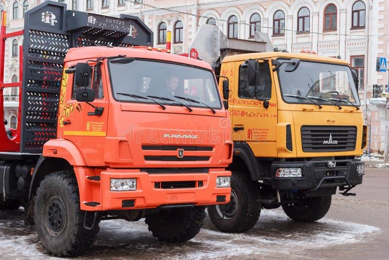 Camions et chargeurs de forêt images libres de droits