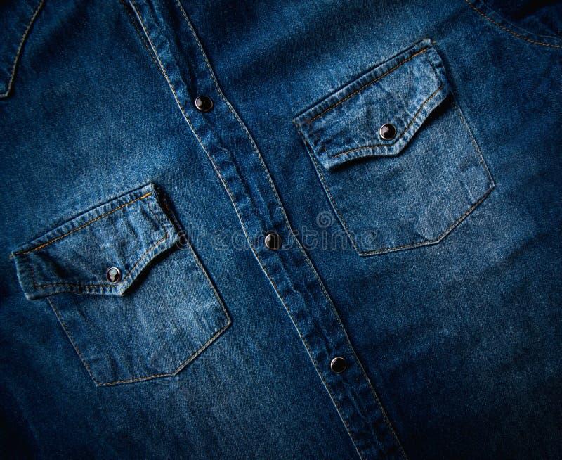 Camisa azul del dril de algodón imagen de archivo libre de regalías