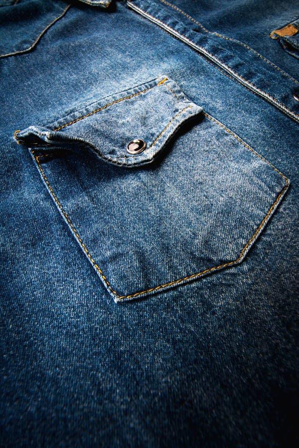 Camisa azul del dril de algodón fotos de archivo libres de regalías