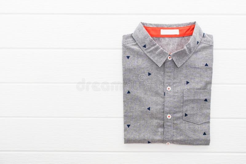 Camisa cinzenta imagens de stock