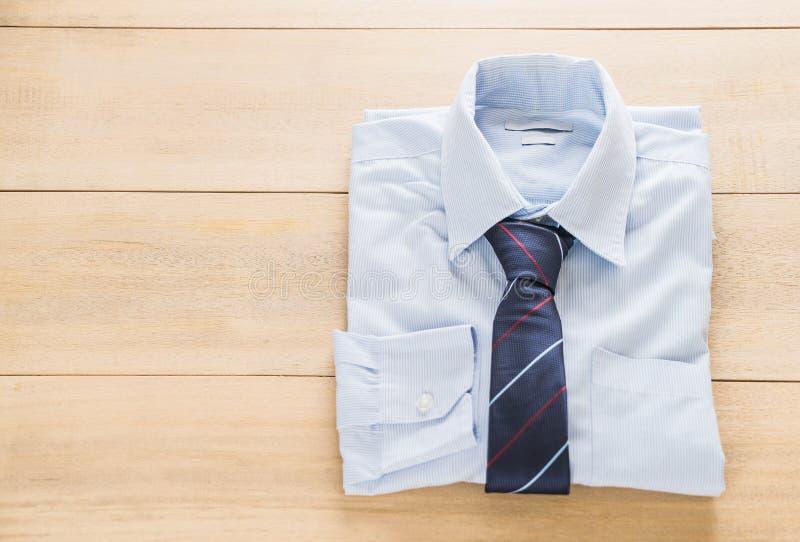Camisa con la corbata fotografía de archivo libre de regalías
