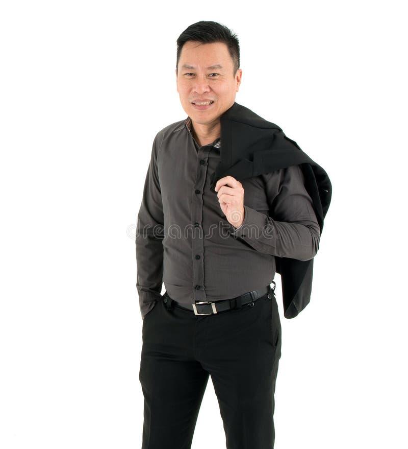 Camisa feliz y sonrisa del control del hombre de negocios de la manera de la reconstrucción en aislado en el fondo blanco imágenes de archivo libres de regalías