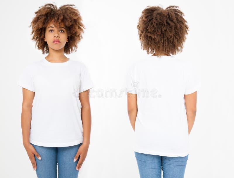 Camisas ajustadas Projeto e fim da camisa do verão t acima da mulher afro-americana nova no t-shirt vazio do branco do molde Copi imagens de stock royalty free